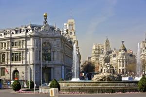 Madrid. Plaza y Fuente de Cibeles, Banco de España y Calle Alca